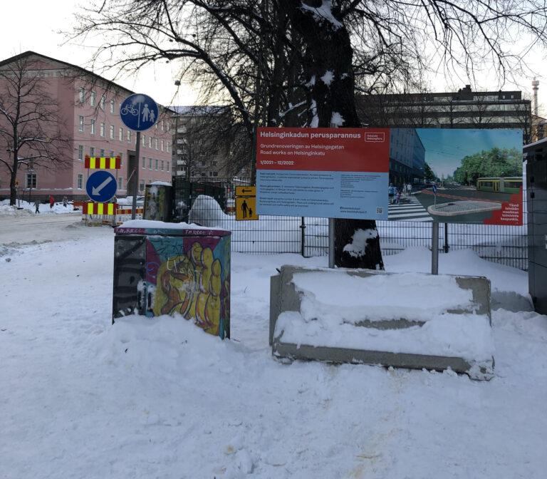Lunta ja työmaataulu Kasin katutöiden työmaalla