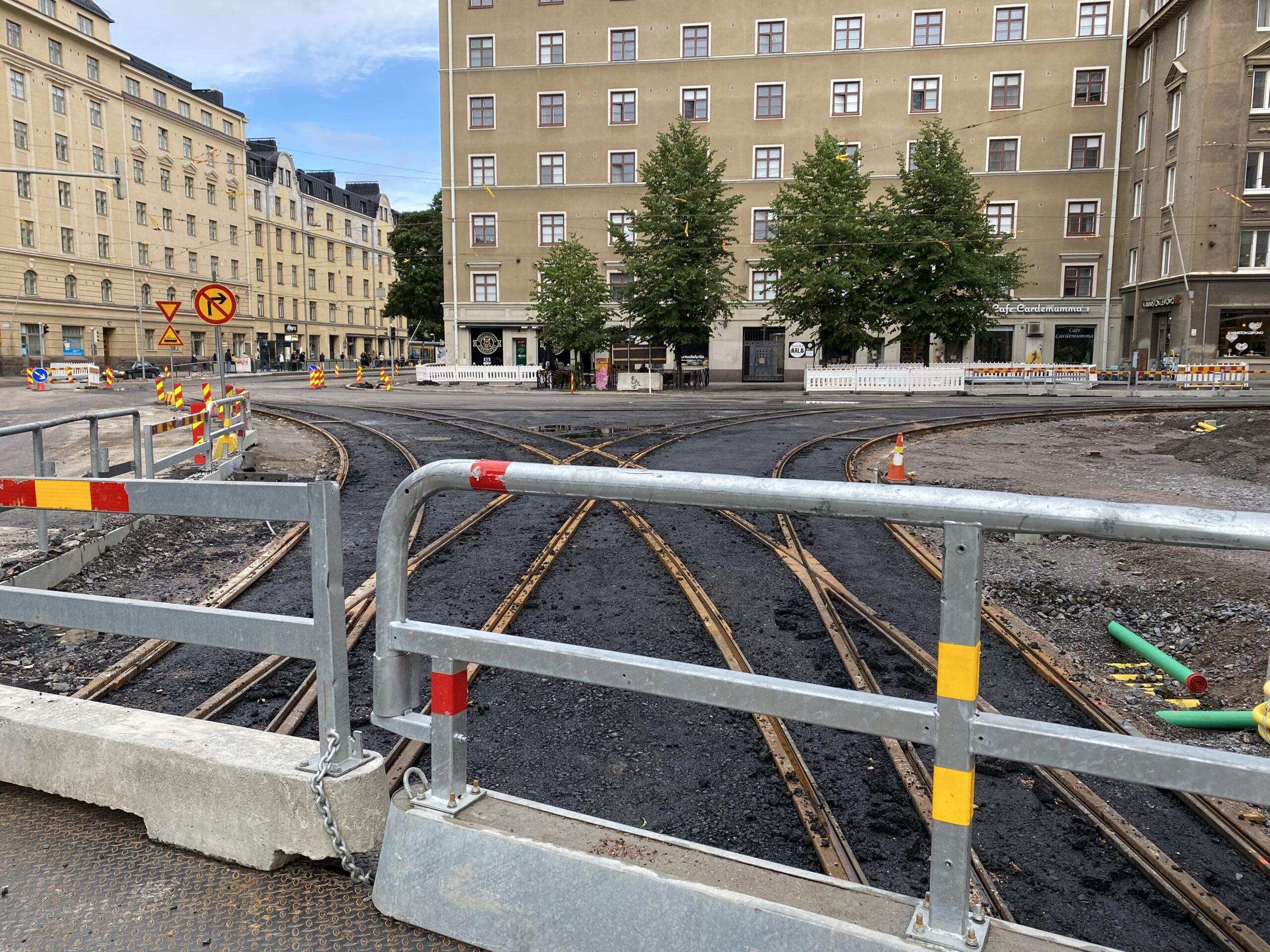 Helsinginkadun ja Kaarlenkadun risteys Kasin katutöiden työmaalla